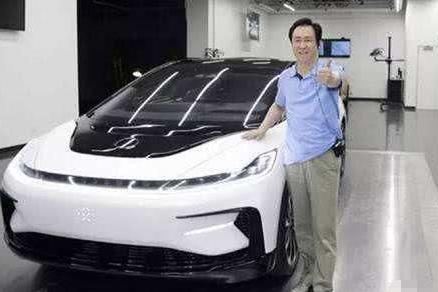 """许家印投入2800亿造车,新车亮相遭吐槽,能实现""""弯道超车""""?"""