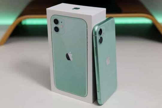 iPhone SE成iOS平台好评度最高设备,iPhone 11都无缘前十