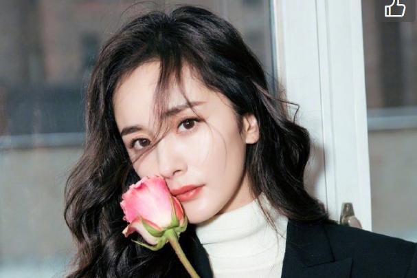 刘丹接受媒体采访,称杨幂春节并未打电话拜年,也没有联系小糯米