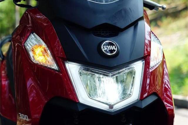 """2.88万国产""""巡航踏板""""来了!配ABS+电喷,续航400km油耗仅3升"""