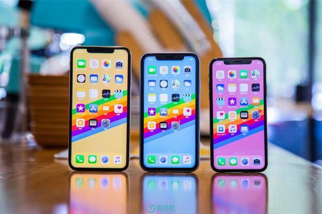 """""""廉价版iPhone"""":每次都被认为最失败,销量却不差"""
