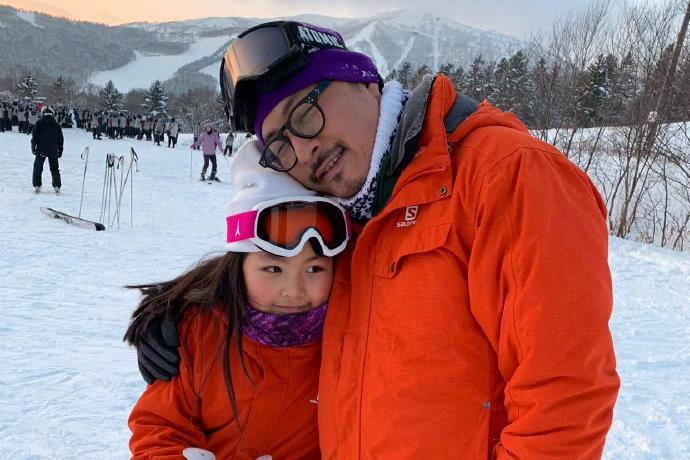 李湘王岳伦带王诗龄去滑雪,表示假期开始了,网友吐槽有点扎心