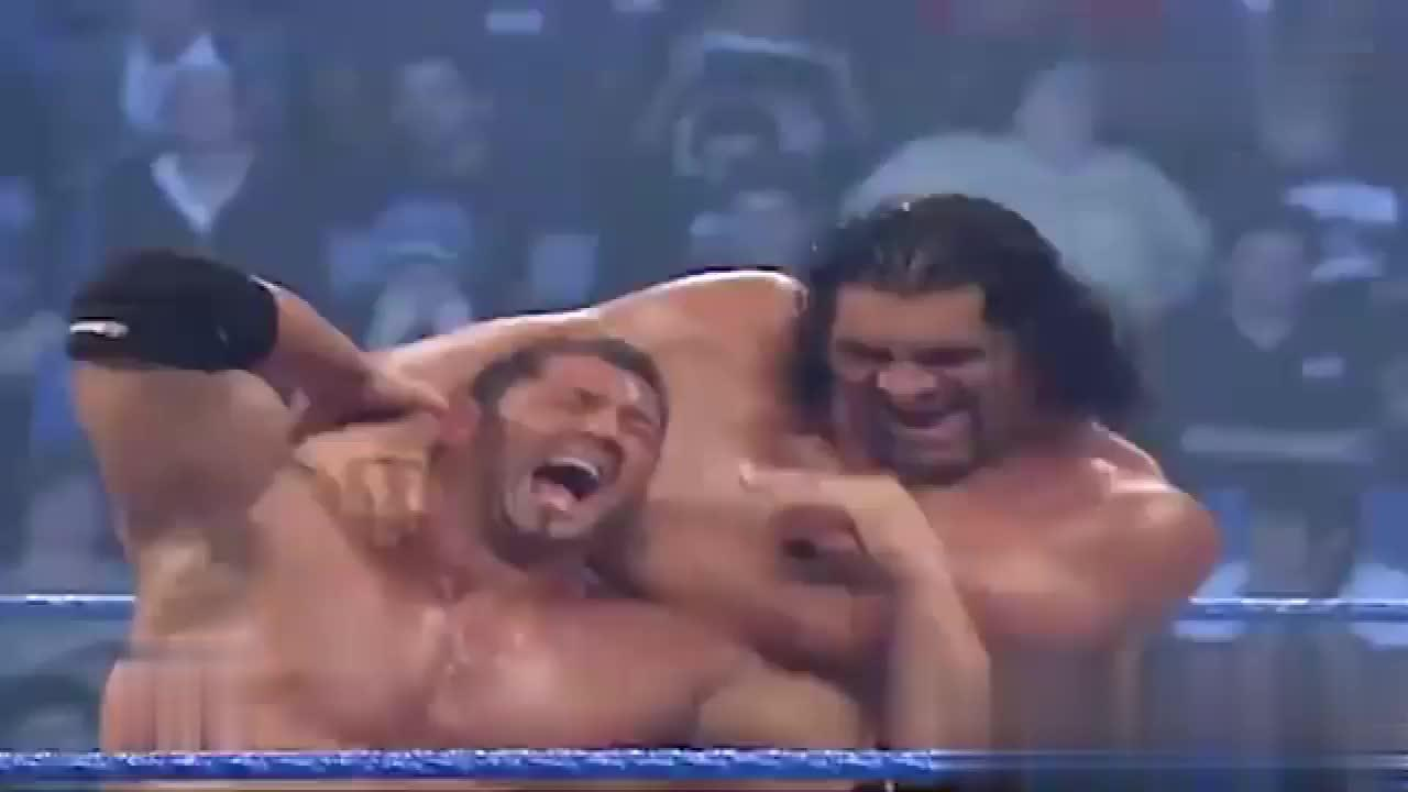 WWE经典回顾 送葬者巴蒂斯塔 vs 巨人卡里马克亨利