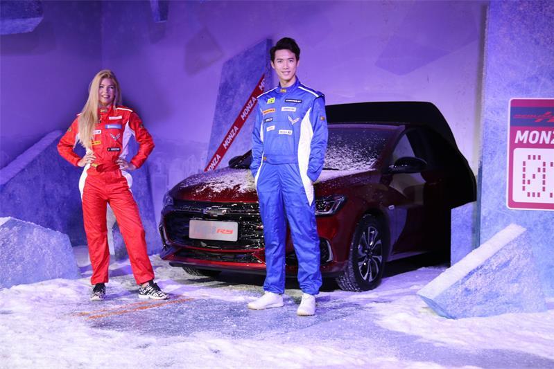 两种动感套件 雪佛兰全新轿车科鲁泽售价8.99万-11.99万元