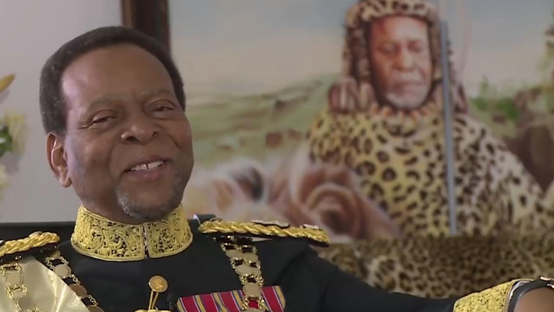 非洲最勤勉的国王,为国家发展不惜出国打工,挣钱补贴国库!