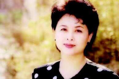 央视主持人肖晓琳1年前因癌症去世,遗言发人深省