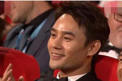 """苏大强拿""""视帝""""竞争对手王凯表情获赞,难怪他会红这么久"""