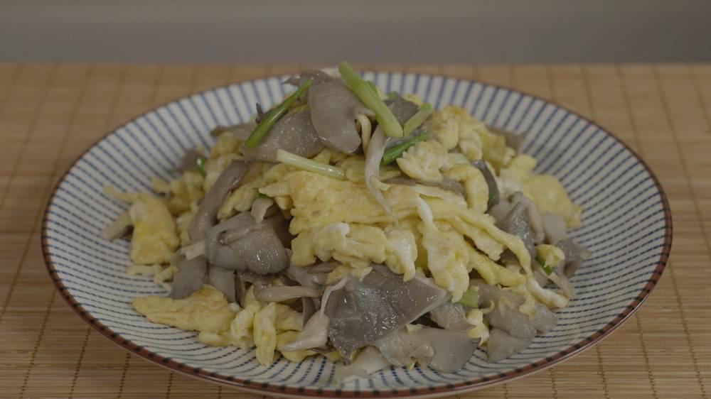 大厨教你一个炒平菇的好方法,5分钟出锅好吃有营养,一碗不够吃