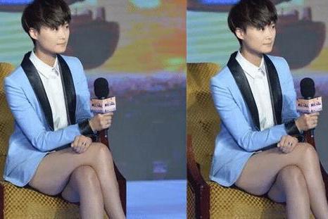 """李宇春""""女性化""""后有多撩人?当她穿上13cm短裙后,网友:太有味"""