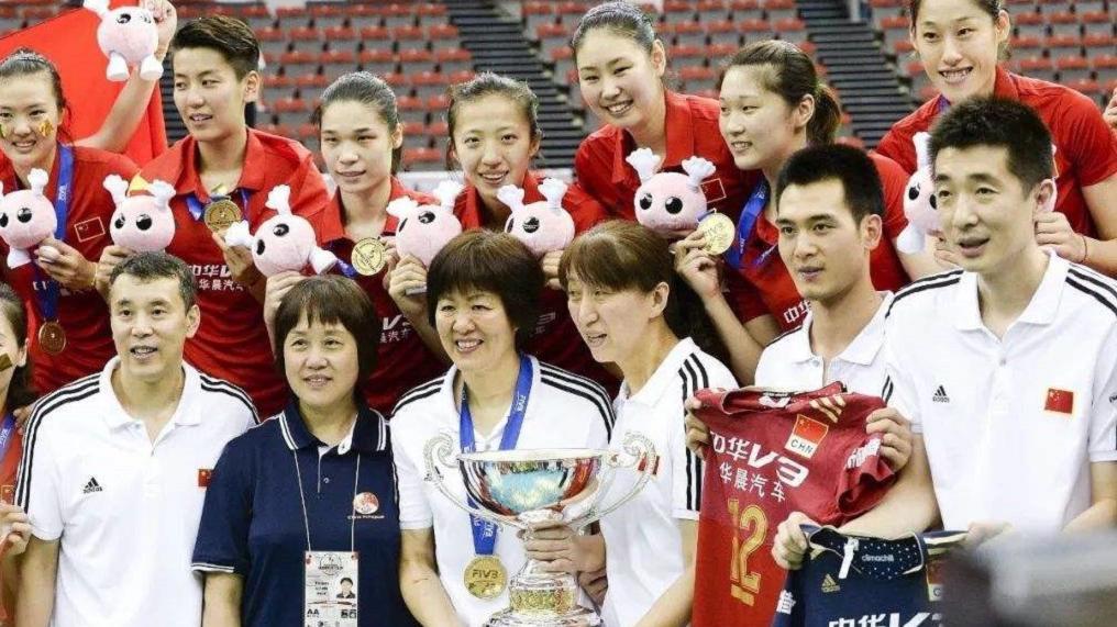 中国女排群口相声还有传统呐~瞅瞅2015年世界杯时的献演~
