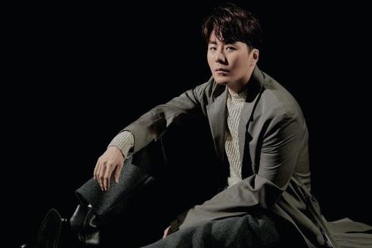 韩国歌手ERU最新杂志写真曝光