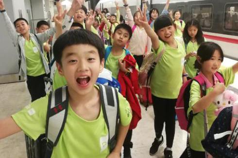 奥运冠军杨威的儿子长大了,从内向到外向,杨阳洋的大逆袭
