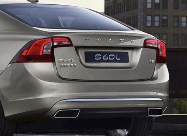 全新沃尔沃S60L上市,增配减价,配2.0T+8AT,比奥迪A4L好看
