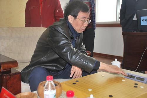 分先战胜日本九段第五人 华以刚1974年力擒加田克司