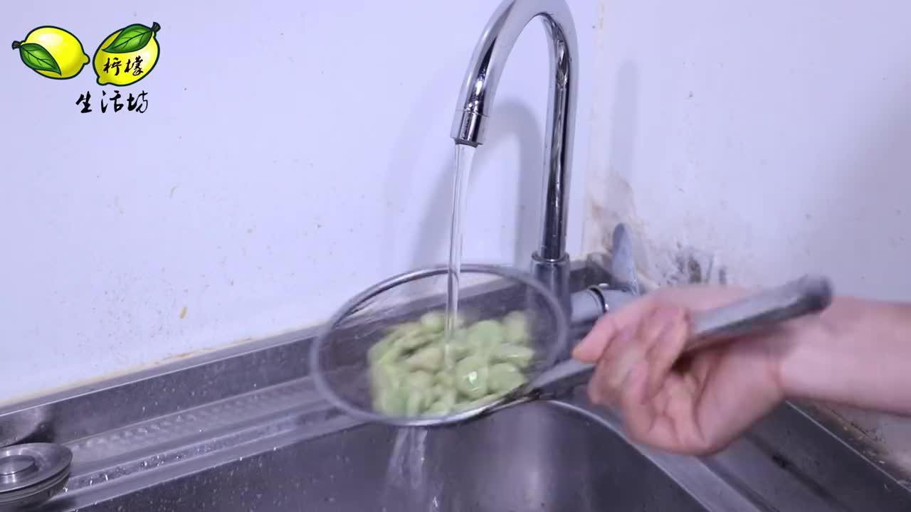 新鲜蚕豆万万不可直接放冰箱多做一步放一年照样翠绿又绵甜