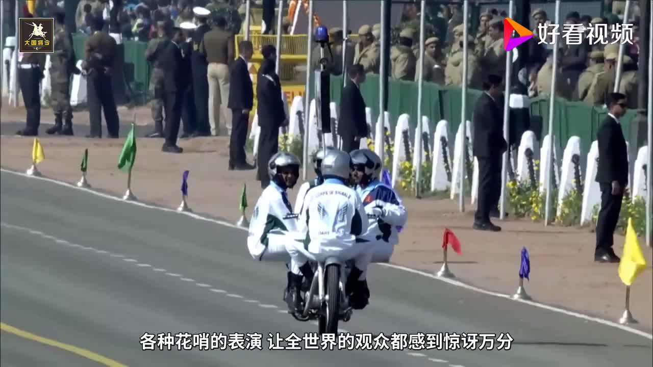 印度军队一辆摩托搭60人破纪录,为啥印军摩托玩得那么溜?