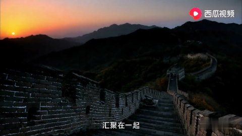 外国眼中的中国春节,32亿人次出行让外国小伙吃惊