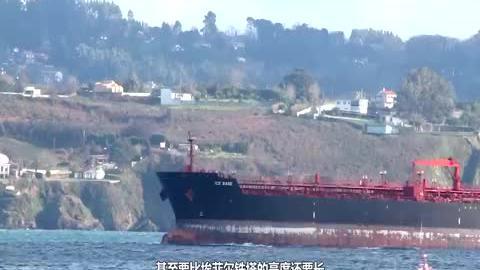 美国造全球最大船只,排水量是辽宁舰的50倍,可容纳6万余人