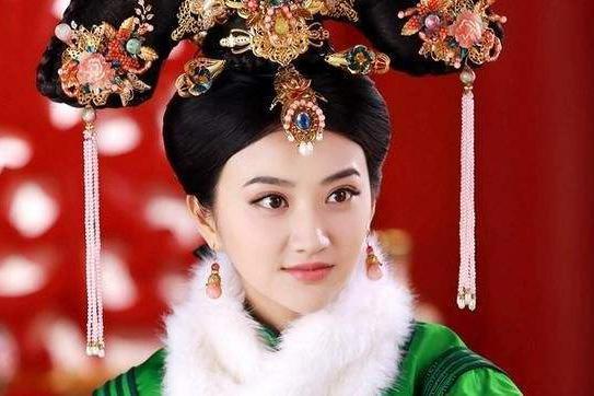 """内蒙古发现一座古墓,墓中挖出""""皇袍""""公主,尸体历经300年不腐"""