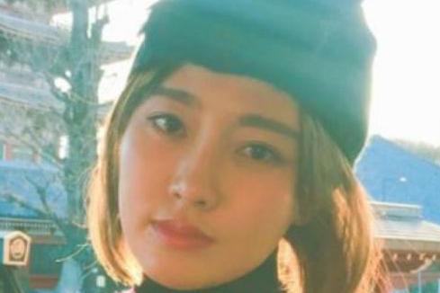 赵本山的女儿变美了,李咏的女儿变美了,只有他女儿还是老样子!