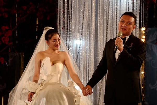参加好声音却没夺冠,误打误撞嫁给爱奇艺总裁,如今婚姻幸福美满