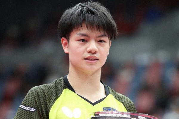 日本18岁小将夺冠!看方博打球但喜欢马龙,认为水谷隼接发球最好