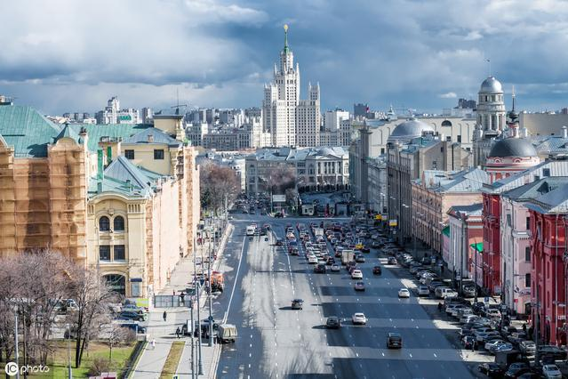 好多村民都去了俄罗斯打工,年收入20万,这个事情靠谱吗?
