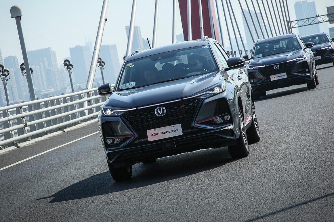 月销2.5万辆,长安CS75PLUS大热,重庆汽车制造业,终见曙光