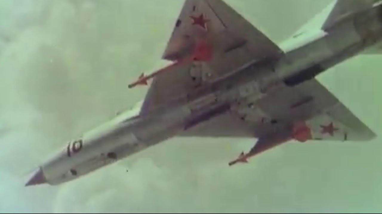 米格初代机就可空中加油?俄军披露珍贵试飞视频