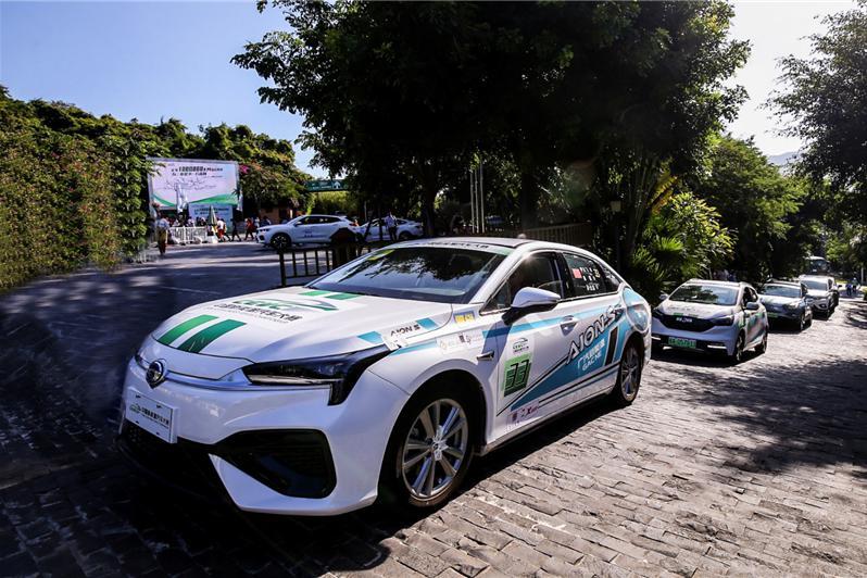 单挑特斯拉,广汽新能源Aion S强揽七项冠