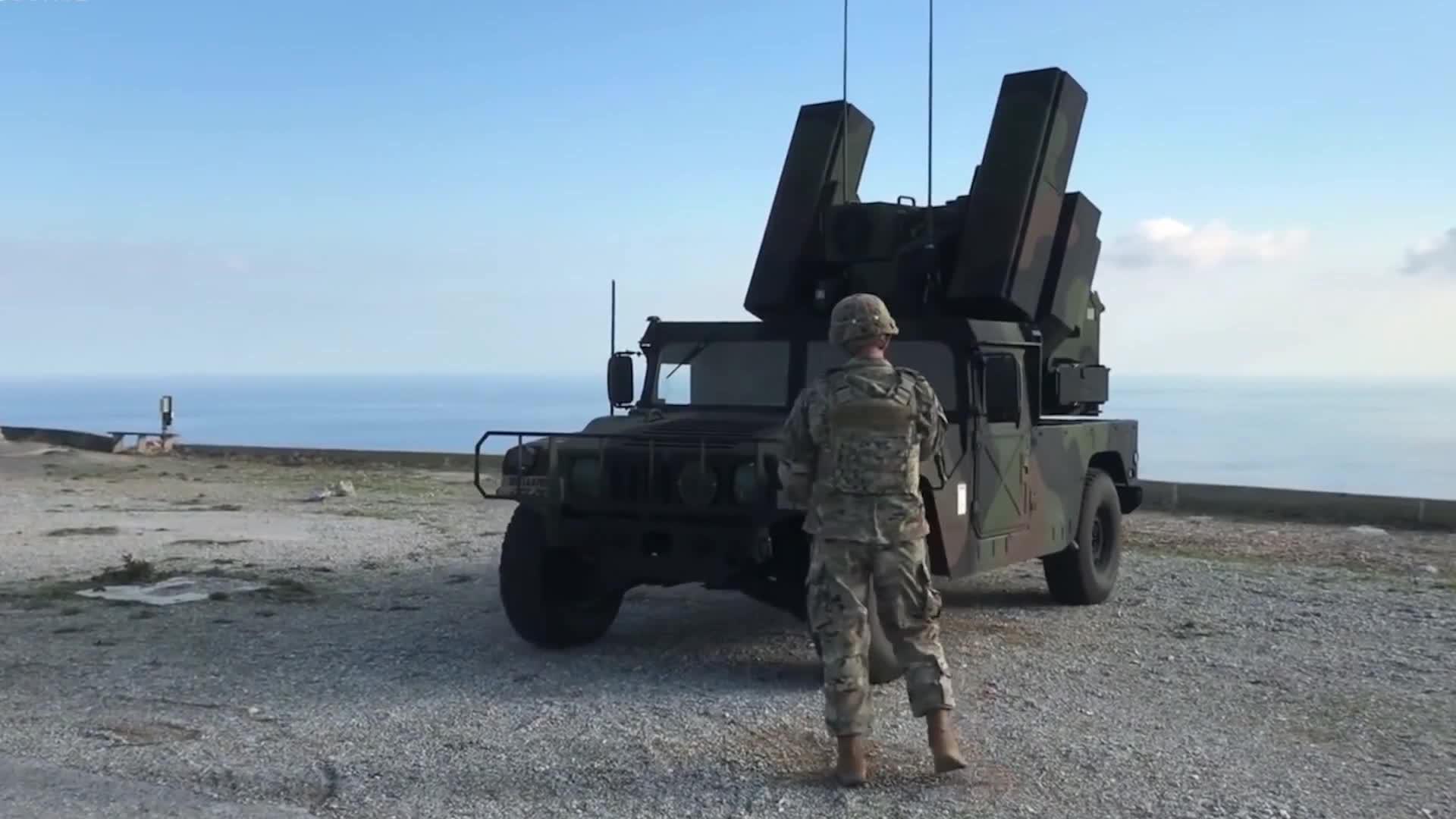 轻型车载复仇者导弹系统,发射美国近程防空导弹-毒刺