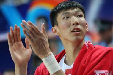 慈世平:中国最有可能进NBA的只有周琦,23岁就是犯错的年纪