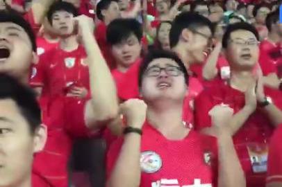 破例感谢!草根球迷一举动感动广州恒大俱乐部