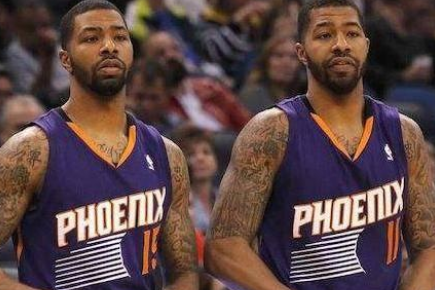 NBA匪夷所思合同:双胞胎共签一份合同,拉塞尔比张伯伦多1块钱