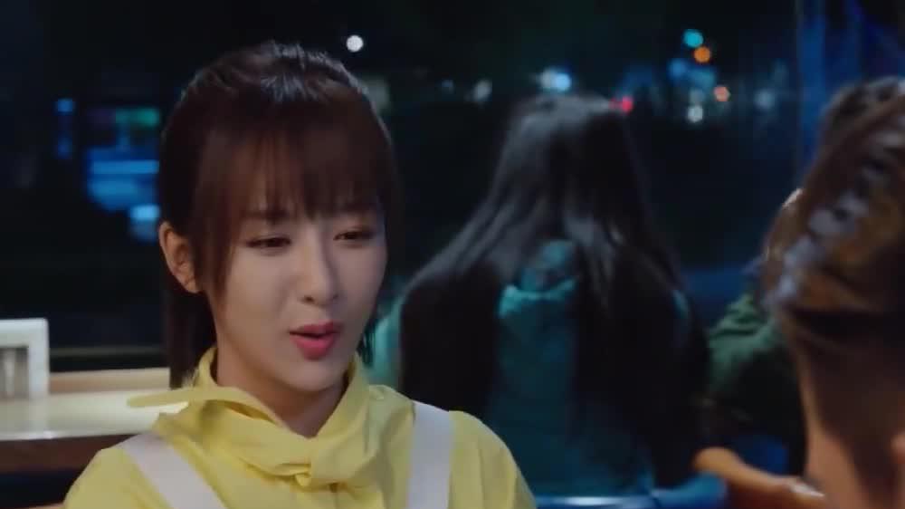 杨紫初恋男友,因在《陈情令》中演反派而大红,是十足的富二代
