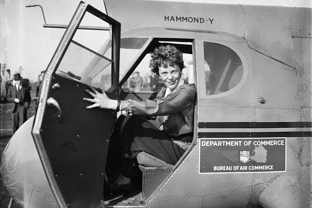 """20世纪""""飞行女神""""失踪案:美国调航母编队搜寻,肩负秘密使命?"""