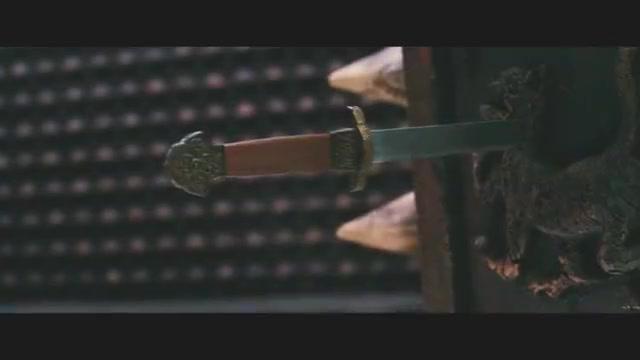 天庭大将想炼化金箍棒,让孙悟空无法复活,李连杰关键时刻夺棒