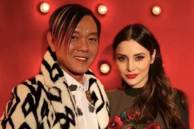 20来岁墨西哥名模,却嫁50多岁中国富豪,还获赠劳斯莱斯幻影