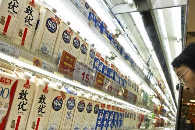 光明乳业今年上新了多款鲜奶和常温产品,还有这些跨界尝试