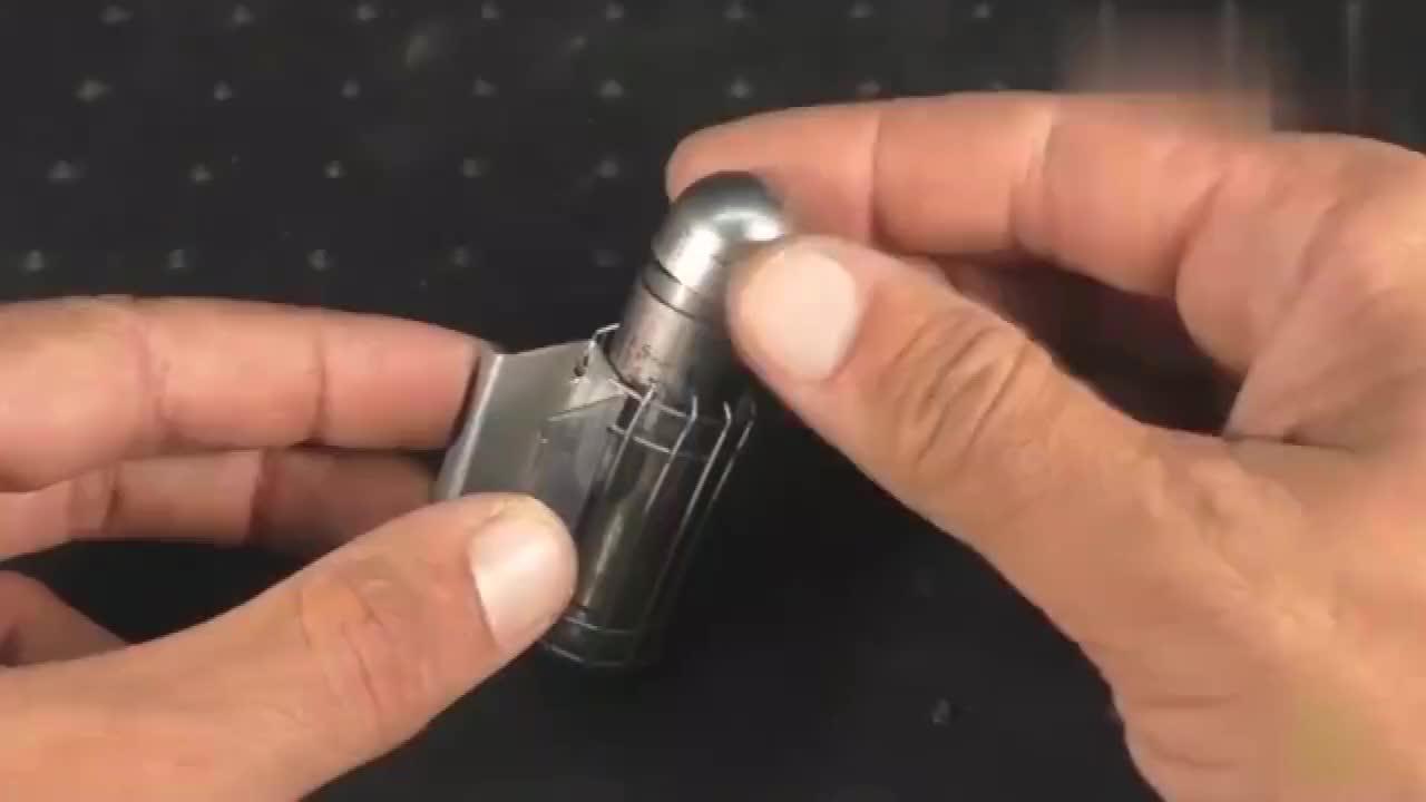 二氧化碳小钢瓶也能制作一个迷你喷烟器这动手能力太牛了