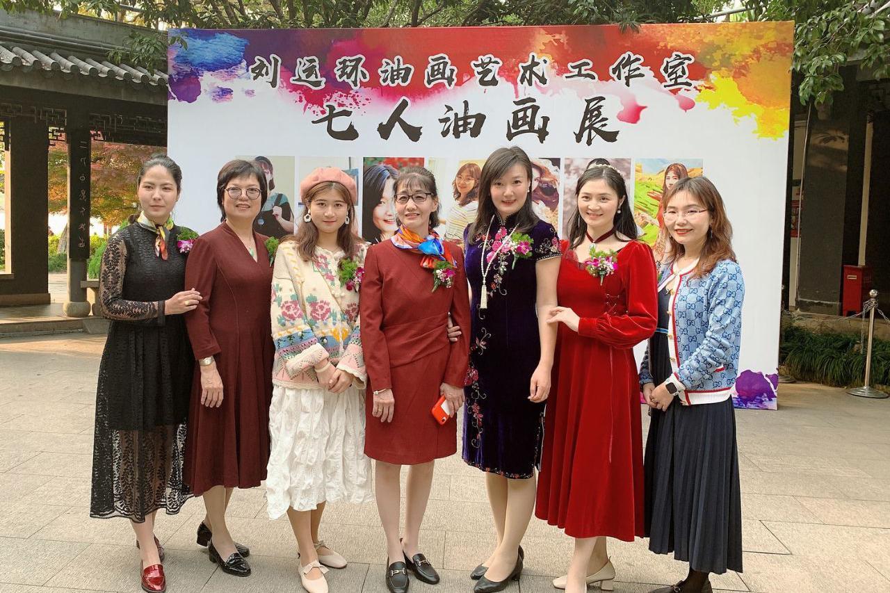 杭州有个七仙女油画家组合 师傅被称中国梵高 徒弟个个才貌双全