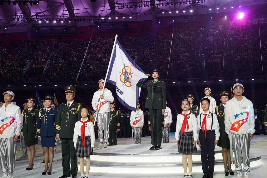 中国女排获殊荣!袁心玥军运会代表运动员宣誓 杨珺菁参加火炬接力