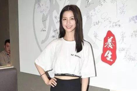 首拍无线剧演第二女主角 TVB港姐冠军外游晒性感美照