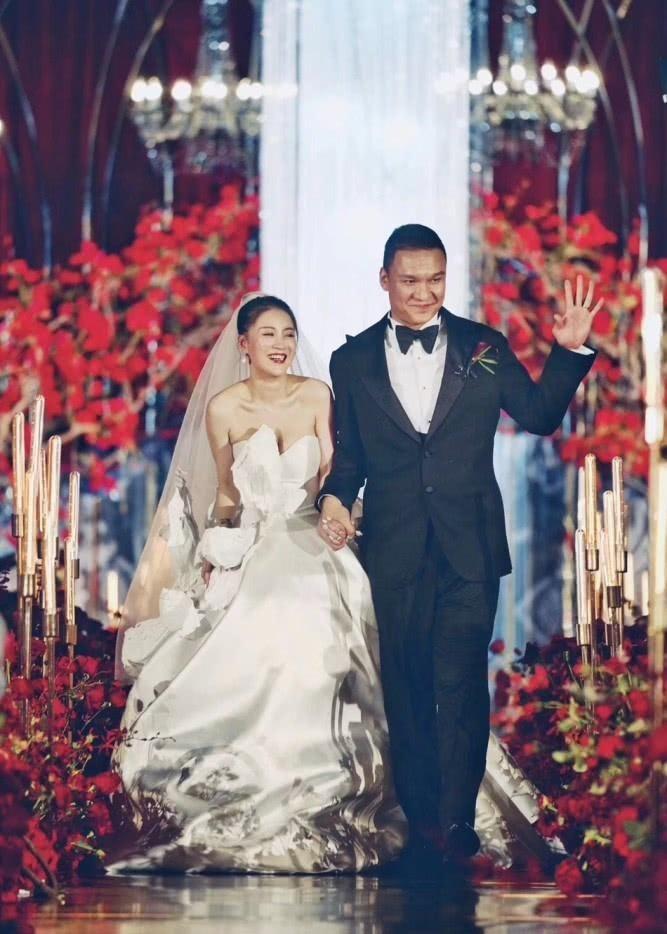 车澈与李嘉格大婚,一个新说唱导演,一个歌手