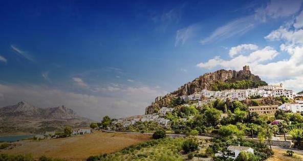 一座与非洲相邻的城市,人们把这里称为西班牙人的灵魂故乡
