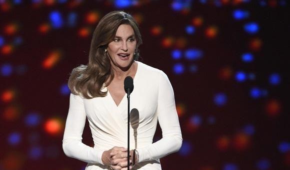 卡戴珊继父凯特琳詹纳拿奥运冠军,变性成女人