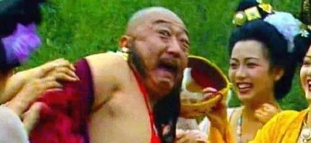 杨贵妃在庐山洗澡。唐玄宗学到了,为什么不停下来呢?