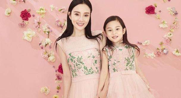 李小璐为女儿大办生日会,庆生照暴露多个细节,贾乃亮被赞好爸爸