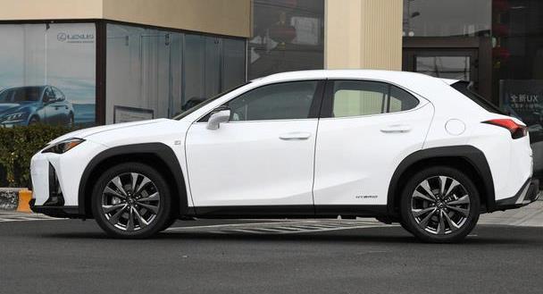 最省心的SUV之一,车标贵气,品质一绝,实测百公里油耗仅4.6L