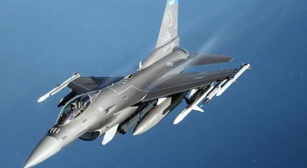 F16战斗机改进下媲美F35?专家早说不可能,只是个冤大头
